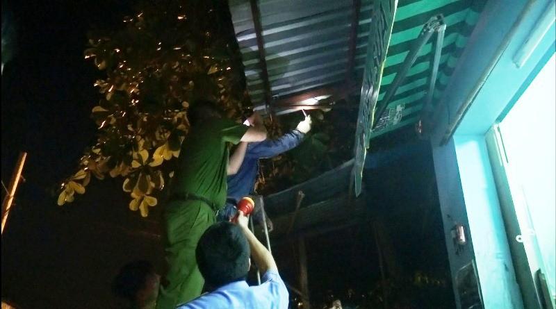 Nam thanh niên bị điện giật chết khi nối điện cho hội chợ - ảnh 2