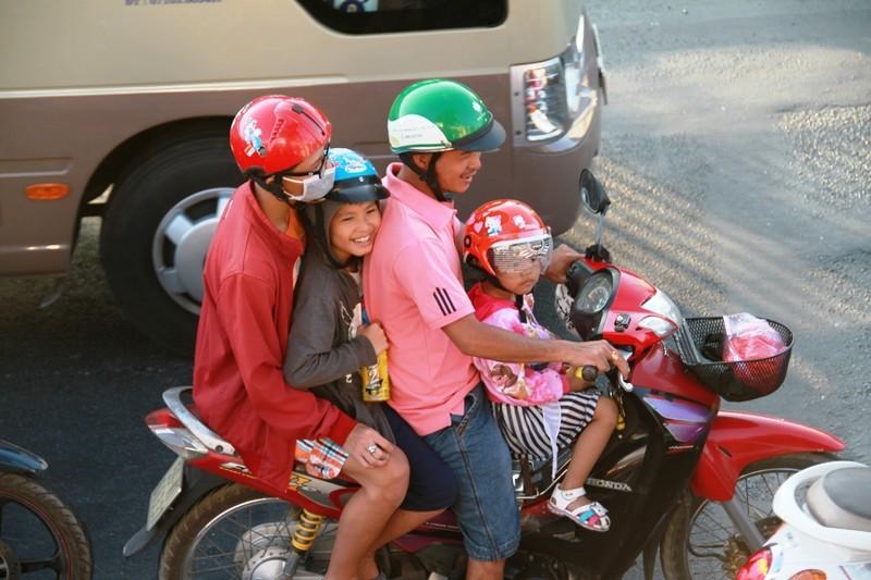 Ngày cuối đợt nghỉ tết, cửa ngõ về Sài Gòn thông thoáng - ảnh 4