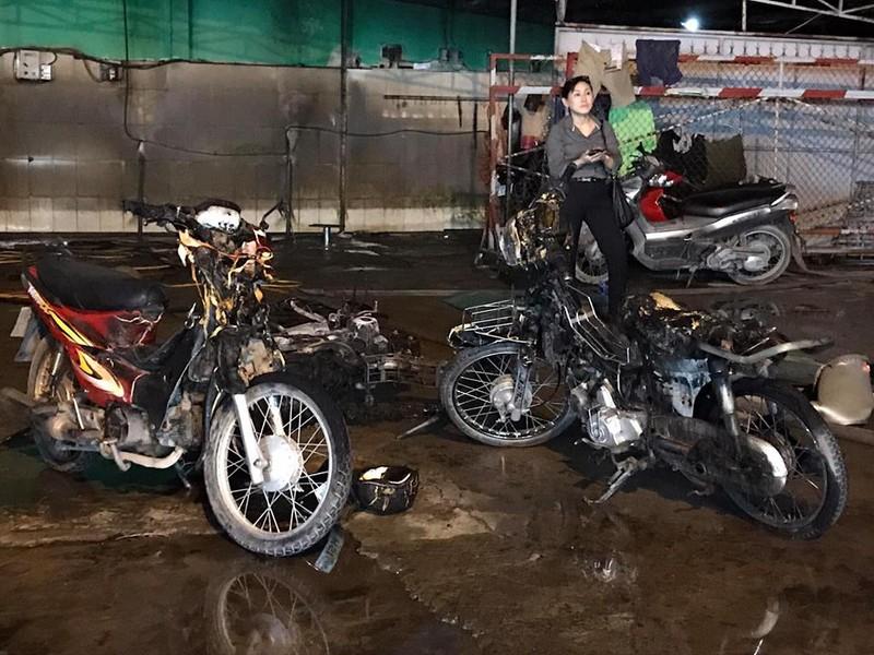 Cháy dữ dội cây xăng, hơn 30 xe máy bị thiêu rụi - ảnh 12