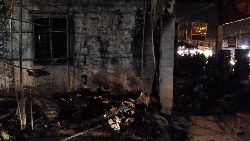 Cháy dữ dội cây xăng, hơn 30 xe máy bị thiêu rụi - ảnh 6