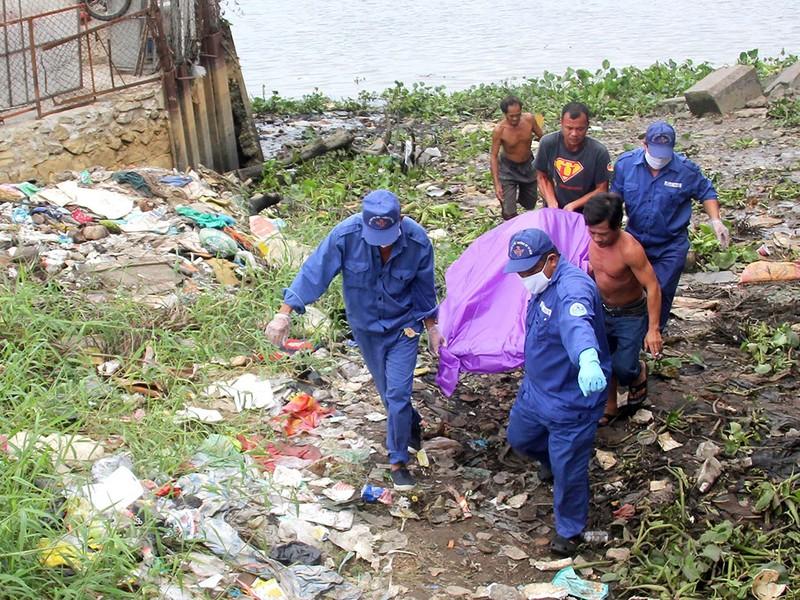 Thi thể người đàn ông trôi trên sông Sài Gòn - ảnh 1