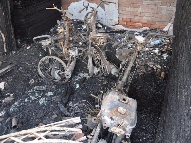 Hoản hoạn thiêu rụi nhiều tài sản trong căn nhà và khiến 4 người tử vong.