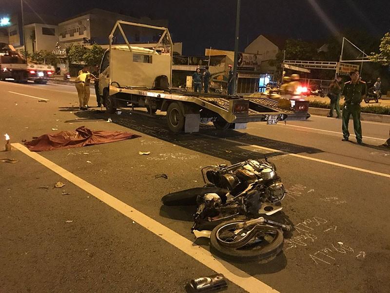 Va chạm xe tải trên đại lộ Phạm Văn đồng đôi nam nữ tử vong.