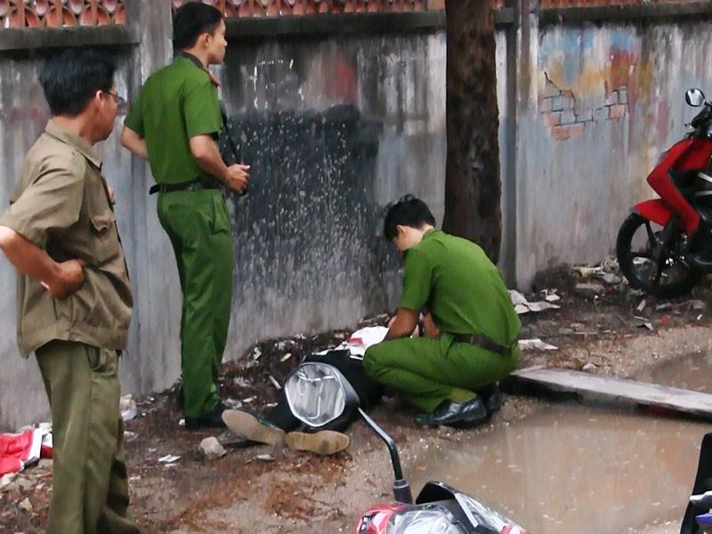 Nam thanh niên gục chết trong con hẻm ở Hóc Môn - ảnh 2