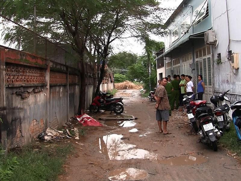 Nam thanh niên gục chết trong con hẻm ở Hóc Môn - ảnh 1