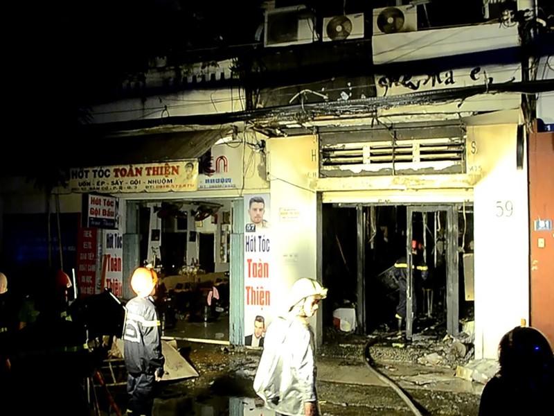 Hỏa hoạn bùng phát từ ngôi nhà đồng thời là cửa hàng kinh doan túi xách trên đường Bàn Cờ, quận 3.
