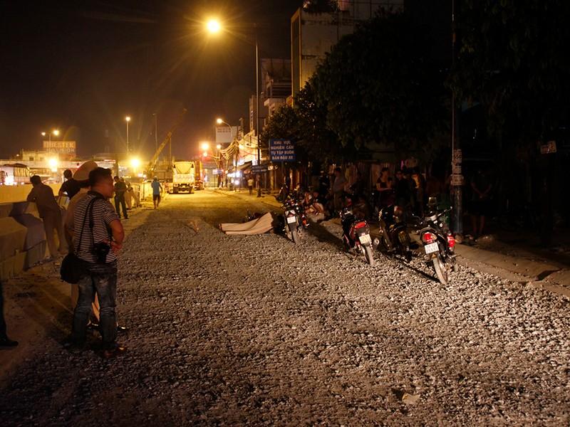 Quận 12: Một người bị cán tử vong, dân chặn 2 ô tô - ảnh 2