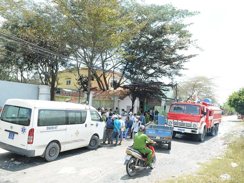 Xì khí độc ở TP.HCM, trường học và dân phải di tản - ảnh 1