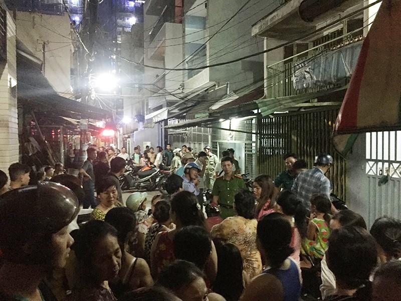 Dân Sài Gòn vây bắt kẻ đâm chết người trong đêm - ảnh 1