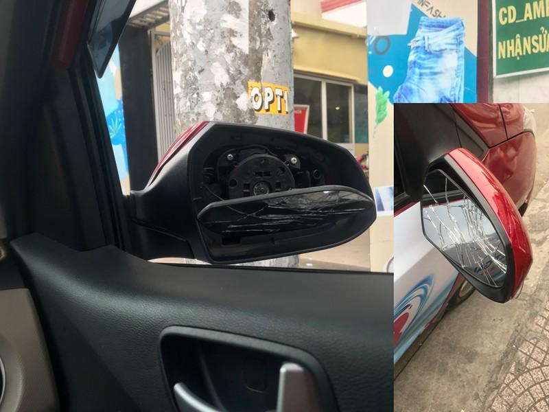 Kẻ chém kính ô tô ở Sài Gòn khai 'do bị ép xe khi chạy' - ảnh 4