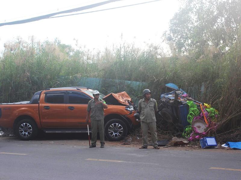 Xe bán tải tông xe ba gác, 1 người bị chẹt tử vong - ảnh 1
