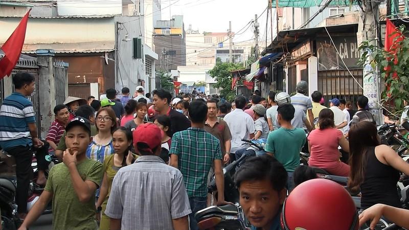 Khoanh vùng nghi phạm vụ án mạng 5 người ở Bình Tân - ảnh 1