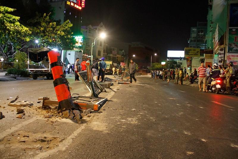 Hiện trường xe ben tông hàng loạt xe máy ở Gò Vấp  - ảnh 5