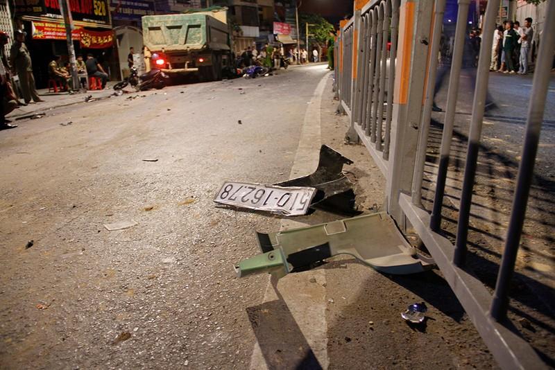 Xe ben cuốn nhiều xe máy: Người nằm la liệt ở Gò Vấp - ảnh 3