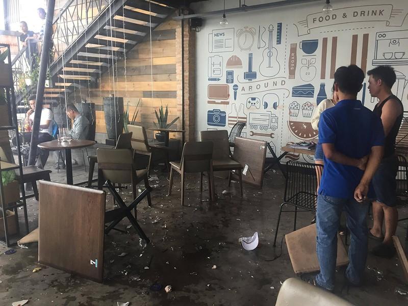 20 thanh niên hỗn chiến trong quán cà phê ở Thủ Đức - ảnh 1