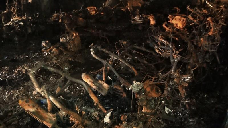 Gần 200 xe máy, ô tô bị cháy ở tầng hầm Carina Plaza - ảnh 2