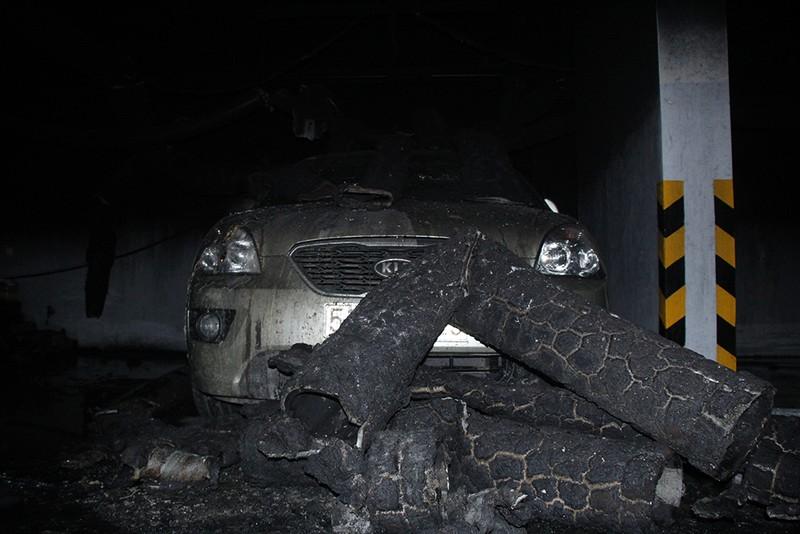 Cận cảnh những xe cháy trong hầm chung cư Carina Plaza - ảnh 12