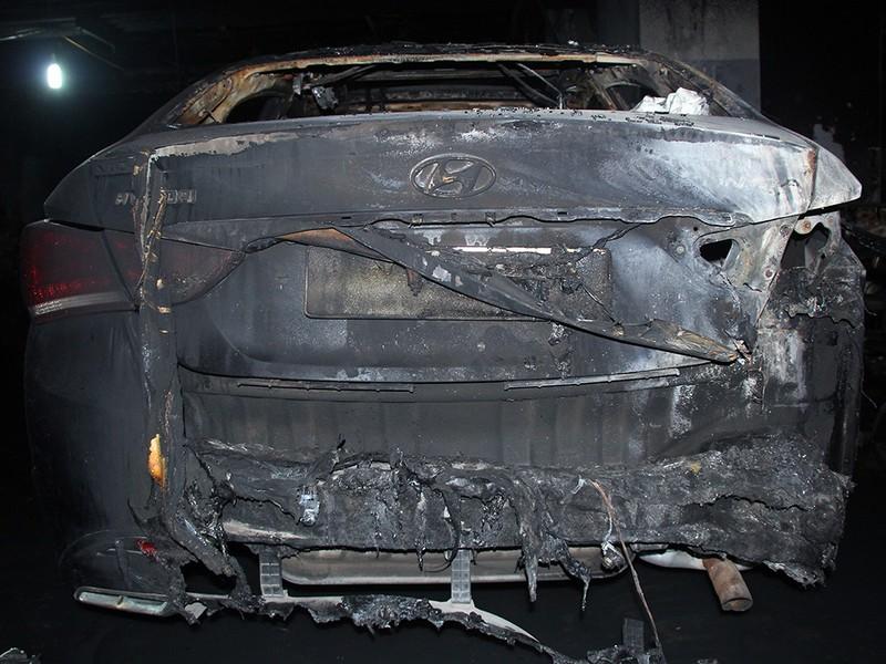 Cận cảnh những xe cháy trong hầm chung cư Carina Plaza - ảnh 3