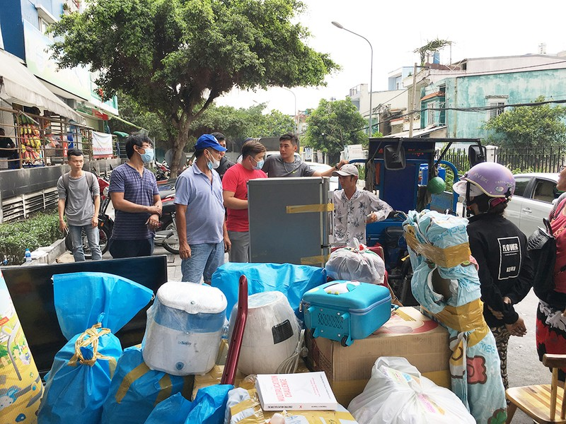 Dân Carina Plaza trình báo bị mất tài sản, thiếu bảo vệ - ảnh 1
