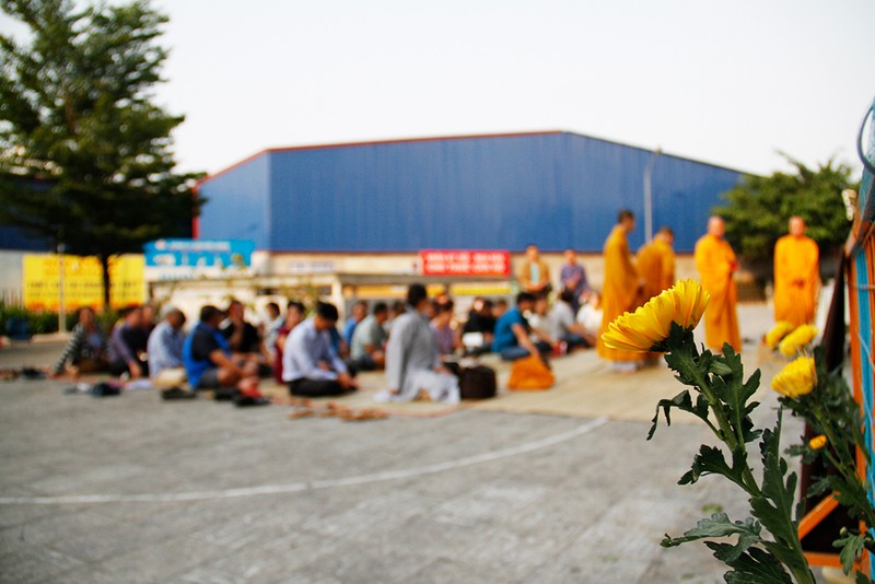 Khoảng lặng trong lễ cầu siêu cho 13 cư dân Carina  - ảnh 1
