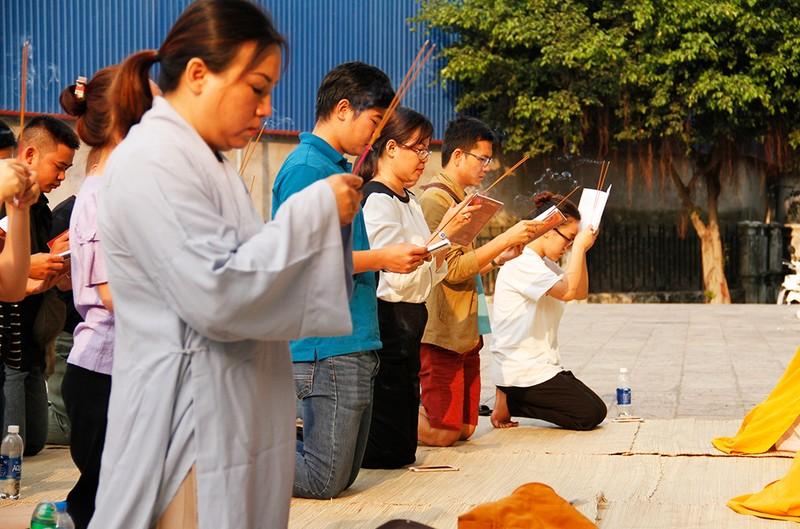 Khoảng lặng trong lễ cầu siêu cho 13 cư dân Carina  - ảnh 12