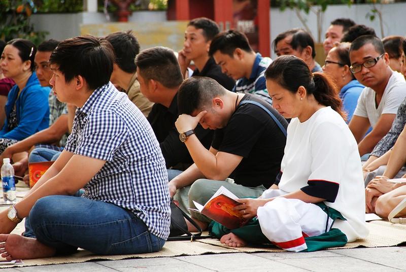 Khoảng lặng trong lễ cầu siêu cho 13 cư dân Carina  - ảnh 10
