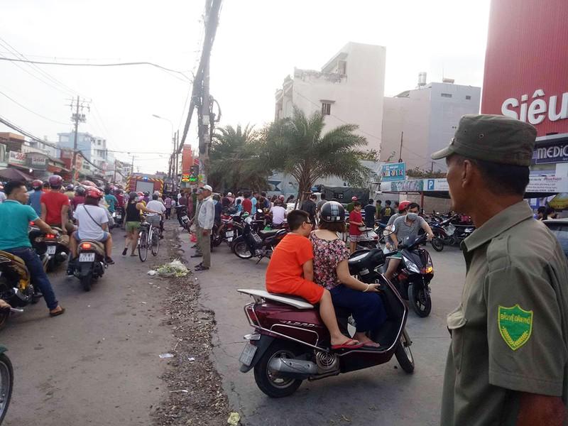 Cháy chung cư I-Home ở Gò Vấp, nhiều cư dân hoảng loạn - ảnh 3