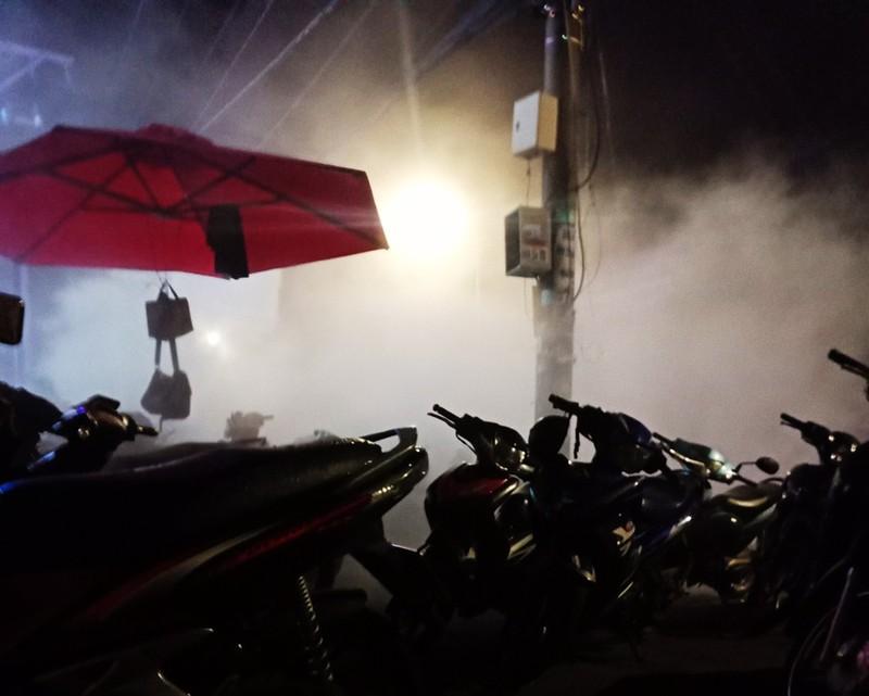 Giang hồ hỗn chiến ở quán bar vùng ven, nhiều người bị thương - ảnh 1