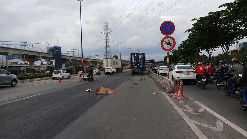 Liên tục 2 vụ tai nạn khiến 3 người chết ở quận 9 - ảnh 1