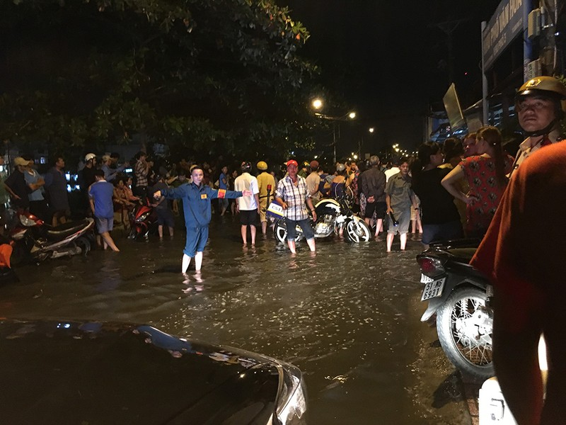 Thanh niên chạy xe bị đâm chết ngay trên đường Bến Phú Định - ảnh 2