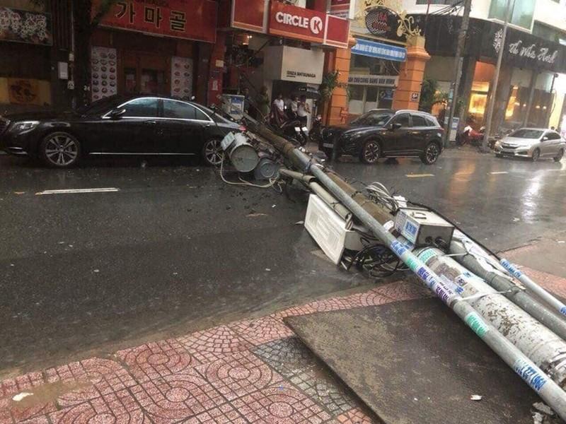 Toàn cảnh ngập của TP.HCM trong trận mưa kinh hoàng ngày 25-11 - ảnh 6