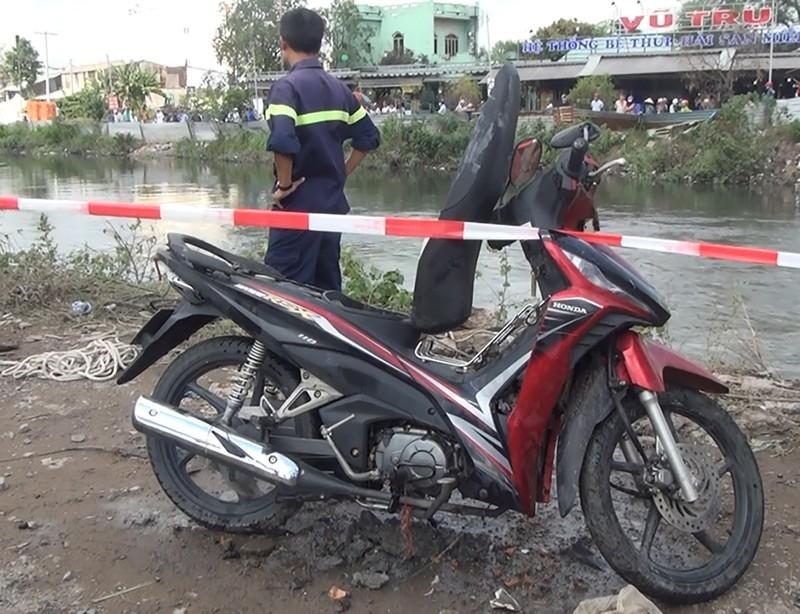 Tìm thấy xe máy của nam thanh niên bị nước cuốn ở Bình Tân - ảnh 2