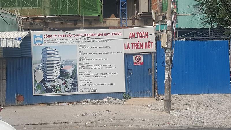 Nam công nhân rơi công trình ở Bình Thạnh đã tử vong - ảnh 2