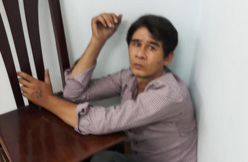 Việt kiều bị truy đuổi vì giật điện thoại của bà bán xôi - ảnh 1