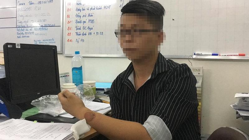 Đánh nhau ở bệnh viện 115, 2 bảo vệ phải uống phơi nhiễm - ảnh 5