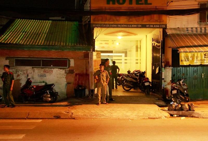 Đôi nam nữ gục chết trong khách sạn ở Bình Tân - ảnh 1