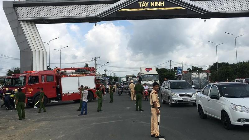 Tai nạn thảm khốc Tây Ninh: Tài xế xe ô tô tránh không kịp - ảnh 4