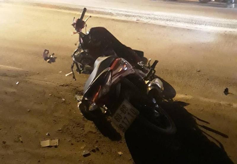 Mẹ ôm con gái bị tai nạn giao thông ở đường Nguyễn Duy Trinh - ảnh 1