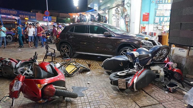 Người phụ nữ lái xe gây tai nạn ở quận 5 không có nồng độ cồn - ảnh 1