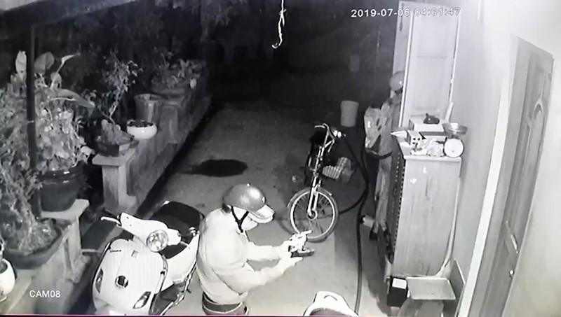 Nhóm người dùng súng vào nhà dân ở Củ Chi để cướp  - ảnh 3