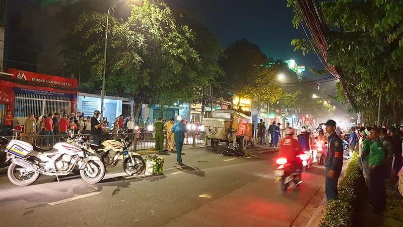 Lao xe vào máy bơm bê tông, hai thanh niên tử vong ở Gò Vấp - ảnh 1