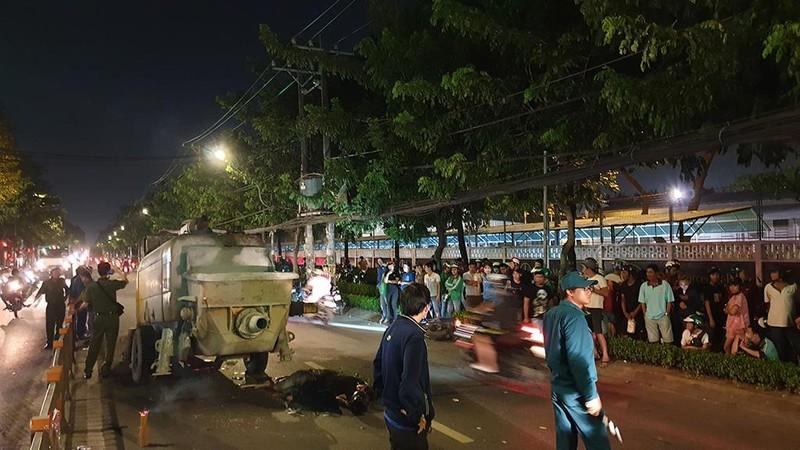 Lao xe vào máy bơm bê tông, hai thanh niên tử vong ở Gò Vấp - ảnh 2