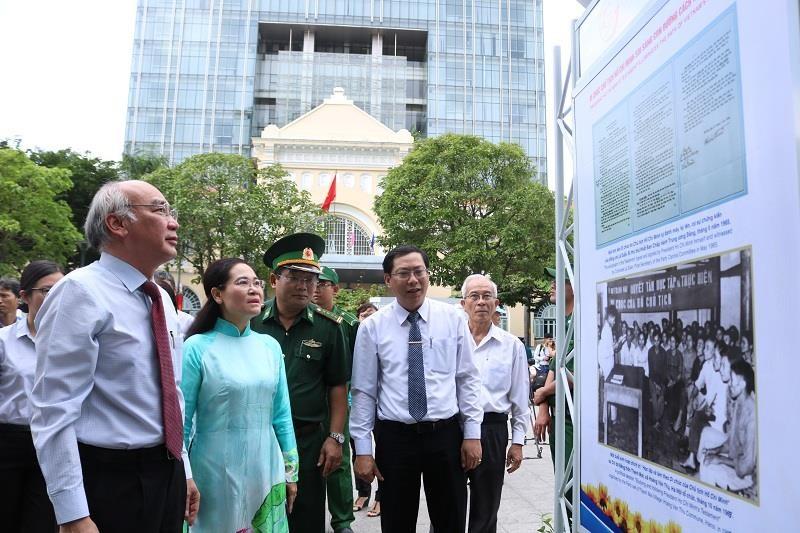 TP.HCM triển lãm 50 năm thực hiện Di chúc Bác Hồ - ảnh 2