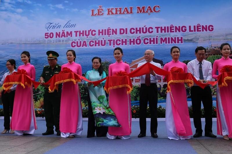 TP.HCM triển lãm 50 năm thực hiện Di chúc Bác Hồ - ảnh 1