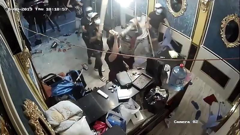 Thuê giang hồ đập phá nhà hàng ở quận 1 giá 500 triệu - ảnh 5