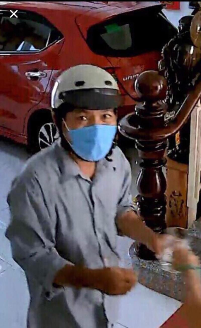 Giả thợ sửa ống nước vào nhà lấy gần 1 tỉ đồng  - ảnh 1