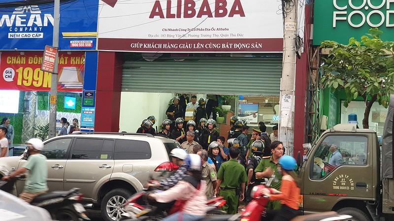Hoàn tất việc khám xét hai chi nhánh Công ty Alibaba ở Thủ Đức - ảnh 3