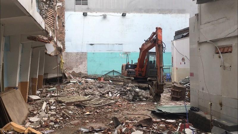Sập công trình đang tháo dỡ, hai người thương vong ở quận 3 - ảnh 1