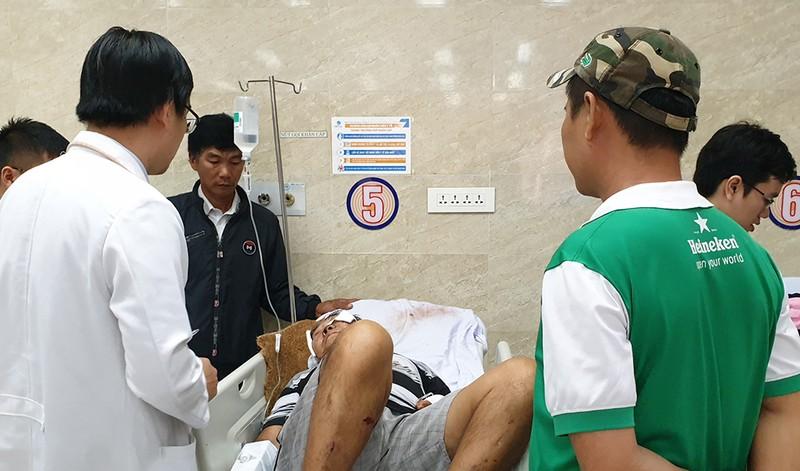 Cướp giật làm 2 cha con bị nạn ở Hóc Môn - ảnh 1