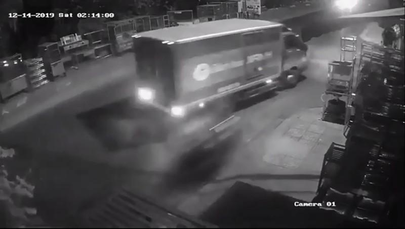 Thực hư thông tin cướp giật lao vào xe tải tử vong ở Tân Phú - ảnh 1